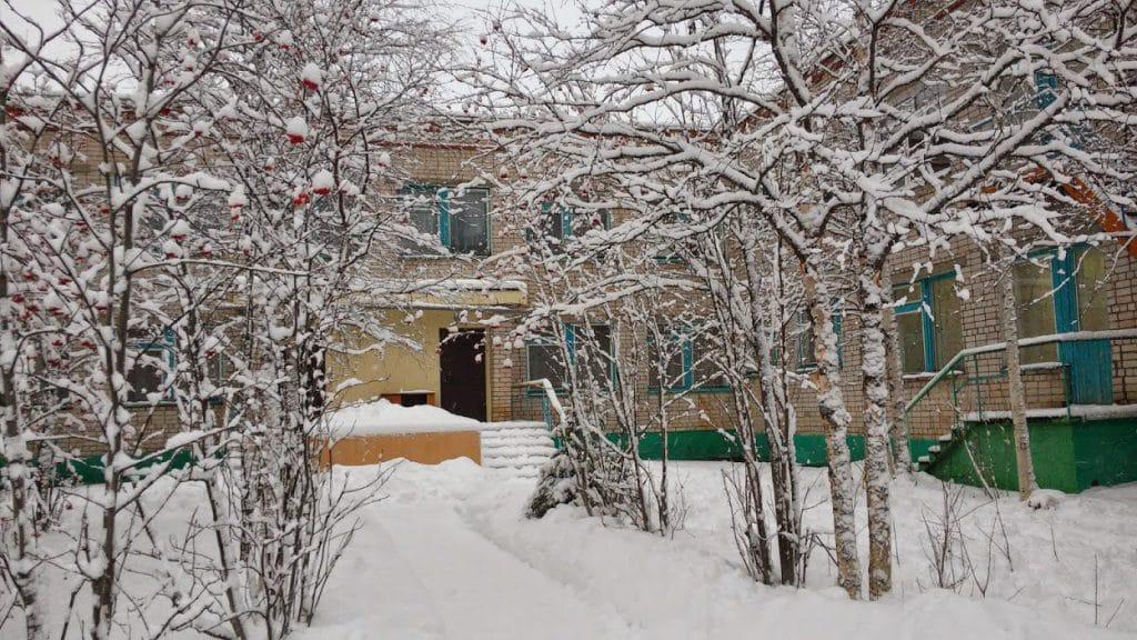 """Детский сад №19 г. Печора """"Ручеёк"""" зимой. Фото: detsadru4eek.com.ru"""